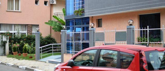 """Хотел """"Екселсиор"""" точно срещу Учебно-оздравителната база на УНСС ни предложи гостоприемство"""
