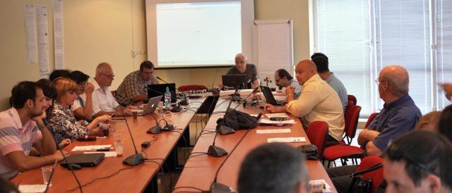 Настройване на техниката преди откриване на Конференцията от д-р Ангел Марчев.